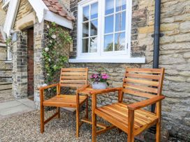 5 Pond View Cottages - Whitby & North Yorkshire - 1051177 - thumbnail photo 3