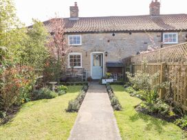 The Cottage - Lincolnshire - 1051282 - thumbnail photo 2