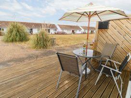 Buddleia Cottage - Isle of Wight & Hampshire - 1051305 - thumbnail photo 16
