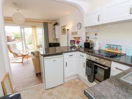 Buddleia Cottage - Isle of Wight & Hampshire - 1051305 - thumbnail photo 9