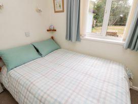 Buddleia Cottage - Isle of Wight & Hampshire - 1051305 - thumbnail photo 11