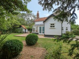 Sparrow Cottage - Suffolk & Essex - 1051370 - thumbnail photo 18