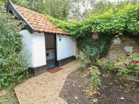 Sparrow Cottage - Suffolk & Essex - 1051370 - thumbnail photo 15