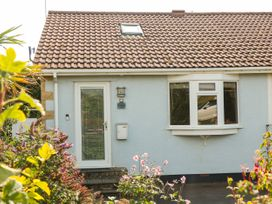 Tilly's Cottage - Somerset & Wiltshire - 1051449 - thumbnail photo 1