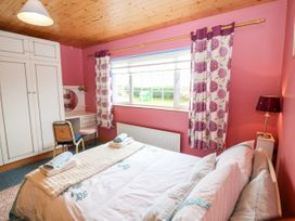Ballyheigue Guesthouse - County Kerry - 1051455 - thumbnail photo 13