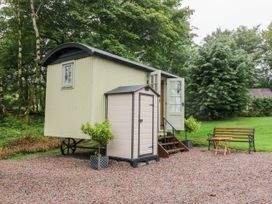 Shepherd's Hut - Scottish Highlands - 1051577 - thumbnail photo 2