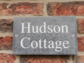 Hudson Cottage - Whitby & North Yorkshire - 1051590 - thumbnail photo 2