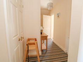 Flat 3, 4 St. Edmunds Terrace - Norfolk - 1051638 - thumbnail photo 3