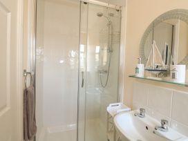 Flat 3, 4 St. Edmunds Terrace - Norfolk - 1051638 - thumbnail photo 16