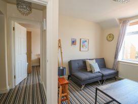 Flat 3, 4 St. Edmunds Terrace - Norfolk - 1051638 - thumbnail photo 4