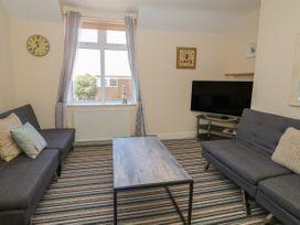 Flat 3, 4 St. Edmunds Terrace - Norfolk - 1051638 - thumbnail photo 5
