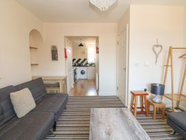 Flat 3, 4 St. Edmunds Terrace - Norfolk - 1051638 - thumbnail photo 8