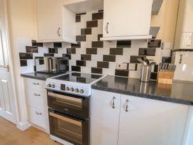 Flat 3, 4 St. Edmunds Terrace - Norfolk - 1051638 - thumbnail photo 10