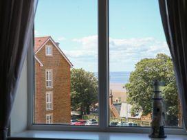 Flat 3, 4 St. Edmunds Terrace - Norfolk - 1051638 - thumbnail photo 13