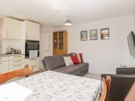 Swanage Town Apartment - Dorset - 1051693 - thumbnail photo 7