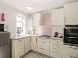 Swanage Town Apartment - Dorset - 1051693 - thumbnail photo 9