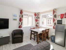 Swanage Town Apartment - Dorset - 1051693 - thumbnail photo 13