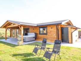 Bacheiddon Log Cabin - Mid Wales - 1051902 - thumbnail photo 2