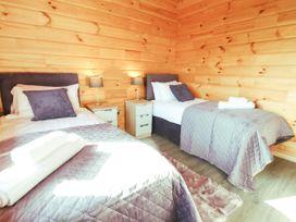 Bacheiddon Log Cabin - Mid Wales - 1051902 - thumbnail photo 10