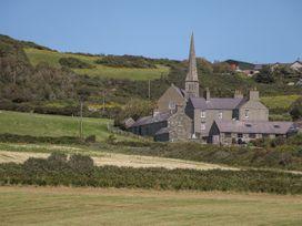 Glan Yr Afon - Anglesey - 1052042 - thumbnail photo 16