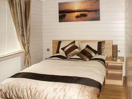 Sundeck Lodge - Lincolnshire - 1052052 - thumbnail photo 8