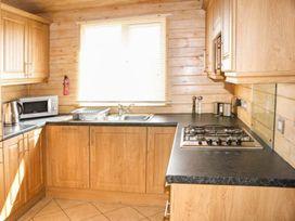 Sundeck Lodge - Lincolnshire - 1052052 - thumbnail photo 5