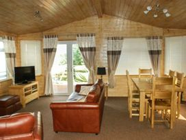 Sundeck Lodge - Lincolnshire - 1052052 - thumbnail photo 4