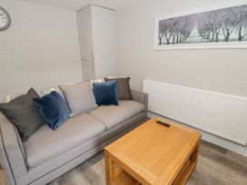 Apartment 1 - North Wales - 1052069 - thumbnail photo 5