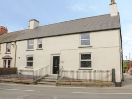 Apartment 2 - North Wales - 1052075 - thumbnail photo 1