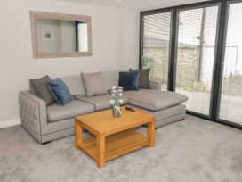 Apartment 2 - North Wales - 1052075 - thumbnail photo 3