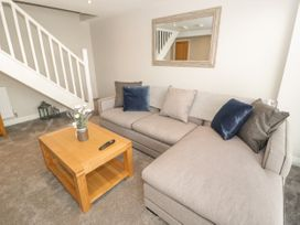 Apartment 2 - North Wales - 1052075 - thumbnail photo 6