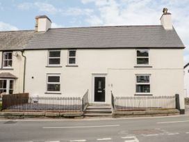 Apartment 3 - North Wales - 1052083 - thumbnail photo 1