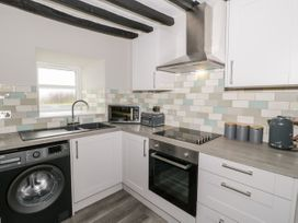 Apartment 3 - North Wales - 1052083 - thumbnail photo 9