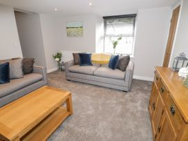 Apartment 3 - North Wales - 1052083 - thumbnail photo 6