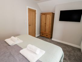 Apartment 3 - North Wales - 1052083 - thumbnail photo 17
