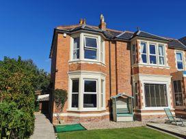 4 bedroom Cottage for rent in Burnham-on-Sea