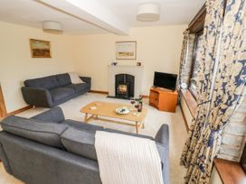 Butterfly Cottage - Shropshire - 1052358 - thumbnail photo 2