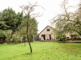 Butterfly Cottage - Shropshire - 1052358 - thumbnail photo 20