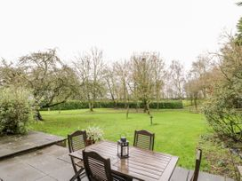 Butterfly Cottage - Shropshire - 1052358 - thumbnail photo 22