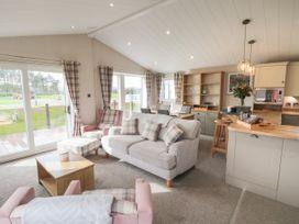 Sea Holly Lodge - Whitby & North Yorkshire - 1052601 - thumbnail photo 3