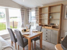 Sea Holly Lodge - Whitby & North Yorkshire - 1052601 - thumbnail photo 6