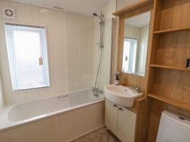 Sea Holly Lodge - Whitby & North Yorkshire - 1052601 - thumbnail photo 15