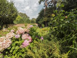 Woodlands By The Sea Cottage - Kent & Sussex - 1052742 - thumbnail photo 20