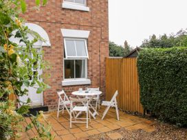 3 Brook Gardens - Shropshire - 1052858 - thumbnail photo 2