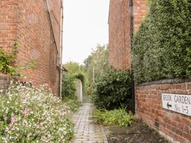 3 Brook Gardens - Shropshire - 1052858 - thumbnail photo 15