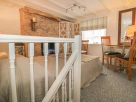 The Hideaway - Whitby & North Yorkshire - 1052947 - thumbnail photo 5