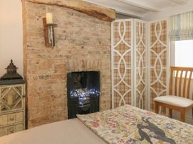 The Hideaway - Whitby & North Yorkshire - 1052947 - thumbnail photo 9