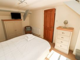 Oysterbank Cottage - South Wales - 1053063 - thumbnail photo 15