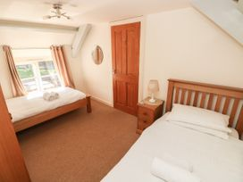 Oysterbank Cottage - South Wales - 1053063 - thumbnail photo 17
