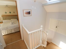 Oysterbank Cottage - South Wales - 1053063 - thumbnail photo 19